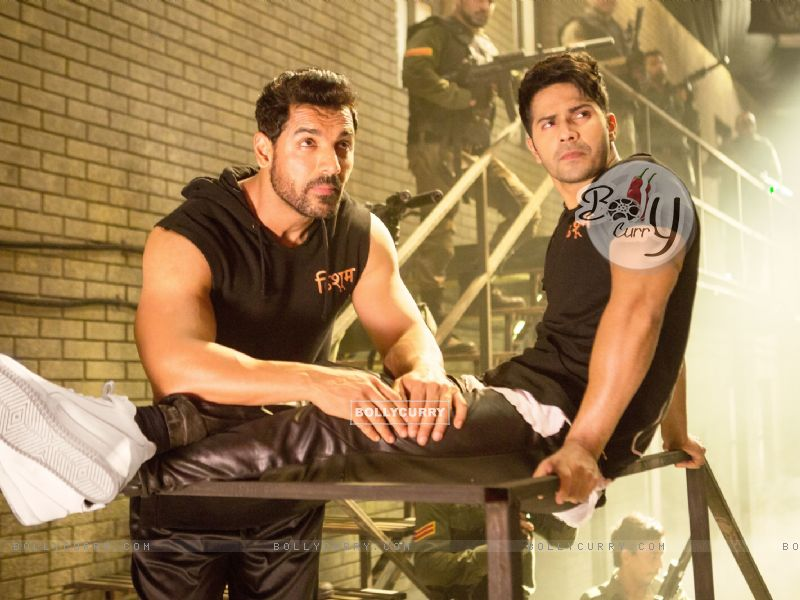 Bollywood actors John Abraham and Varun Dhawan in a still from song 'Toh Dishoom' (410673) size:800x600
