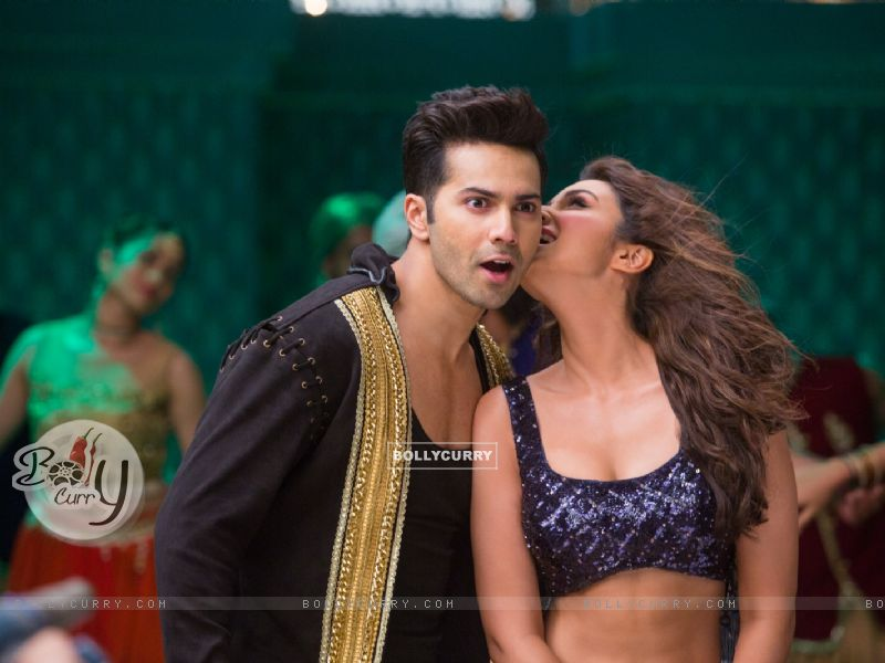 Varun Dhawan and Parineeti Chopra in 'Jaaneman Aah' ssong from Dishoom (411770) size:800x600