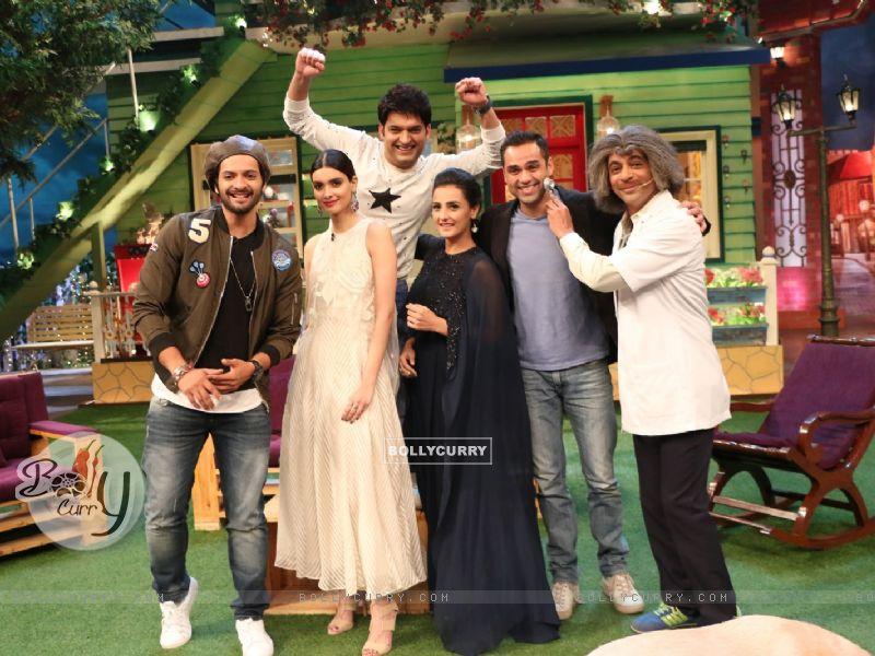 Ali Fazal, Diana Penty and Abhay Deol on The Kapil Sharma Show for Promotions fo Happy Bhag Jayegi (413356) size:800x600
