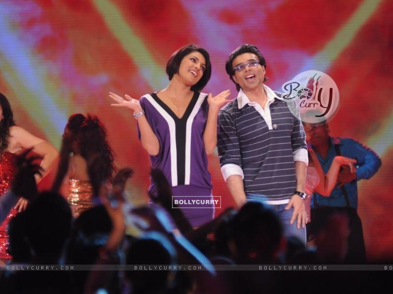 Uday and Priyanka Chopra in Music Ka Maha Muqqabla (41401) size:800x600