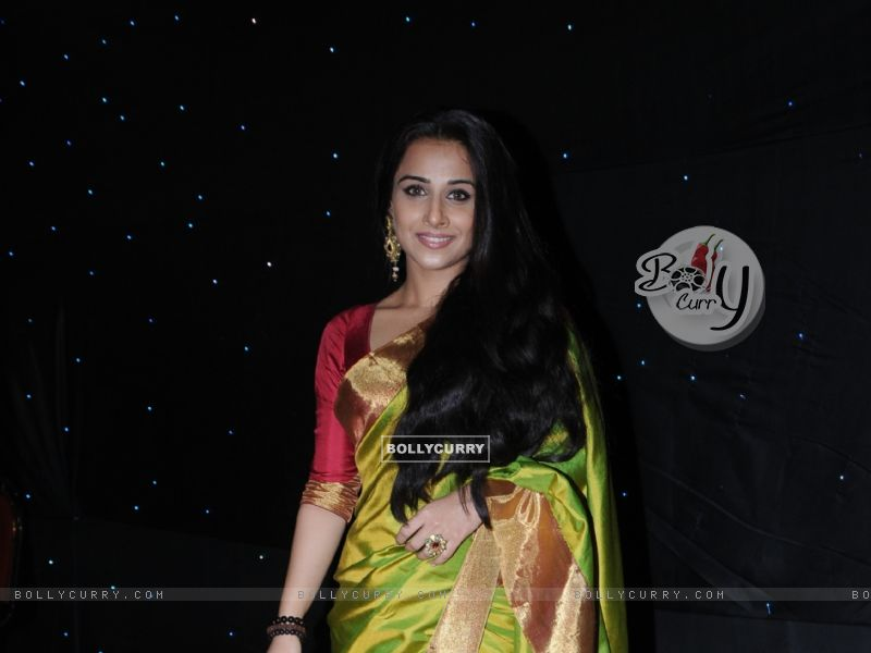 Vidya Balan (41736) size:800x600