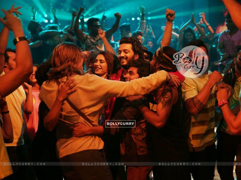 Riteish Deshmukh and Nargis Fakhri starring Banjo (418877) size:800x600