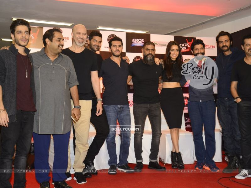 Farhan Akhtar, Arjun Rampal and Ehsaan Noorani at Music Launch of 'Rock On 2' (420531) size:800x600