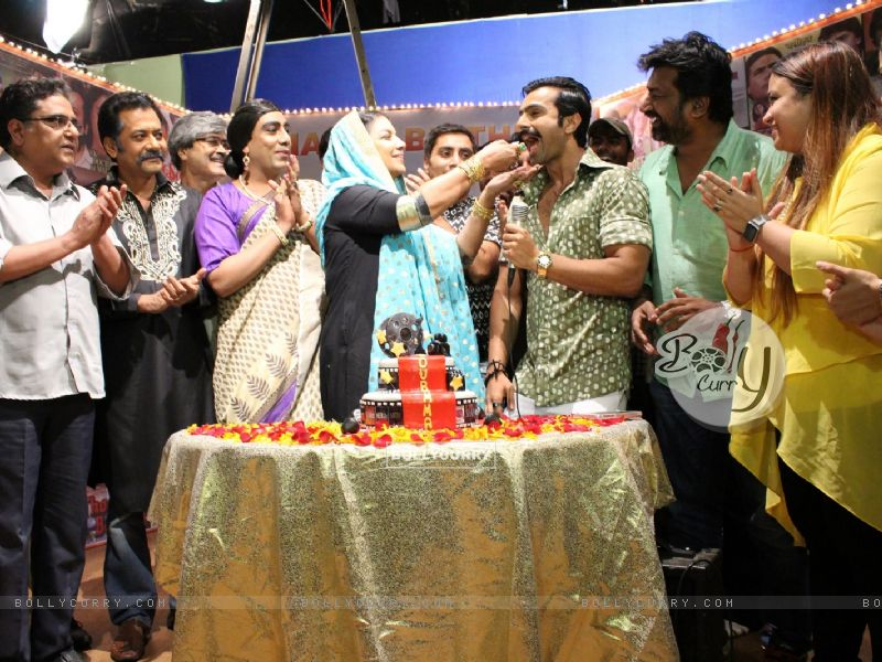 Celebs at Shabana Azmi's birthday bash on the sets of Amma (420824) size:800x600