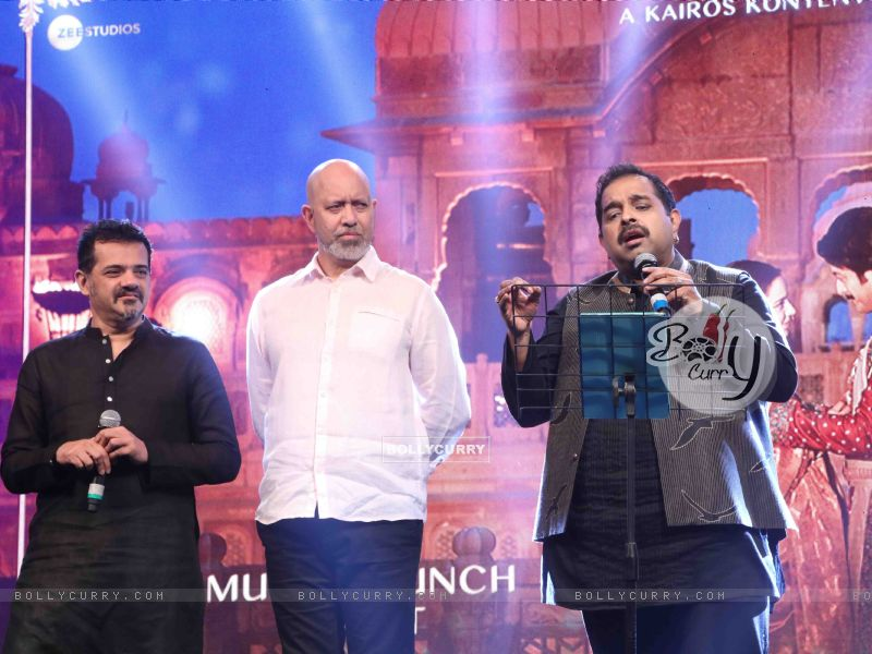 Shankar-Ehsaan-Loy spotted at Manikarnika music launch (443070) size:800x600